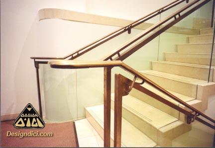 escalier verre courbe